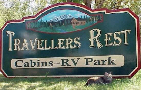 Travellers Rest Cabins and RV Park: Travellers Rest sign