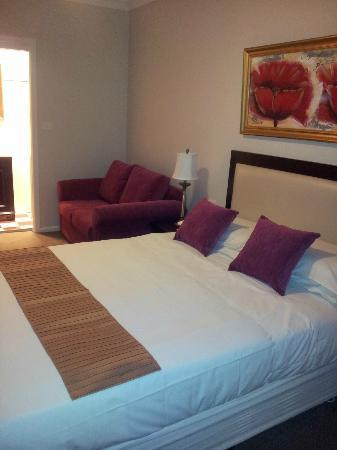 The Metropole Guesthouse: Our Deluxe room