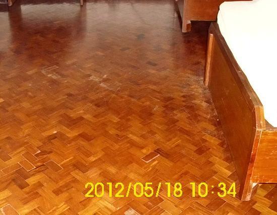 Boulevard Mansion: floor