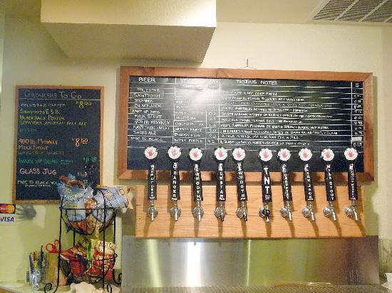 Left Hand Brewing Company : Lots of beer to choose from