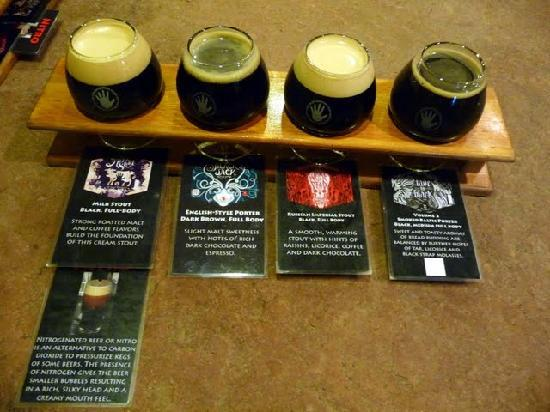 Left Hand Brewing Company : Laminated cards with the beer samplers give you some notes to track your beers