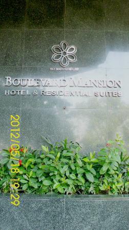 Sunny Bay Suites: hotel entrance