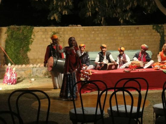 Gorbandh Palace: cultural evening