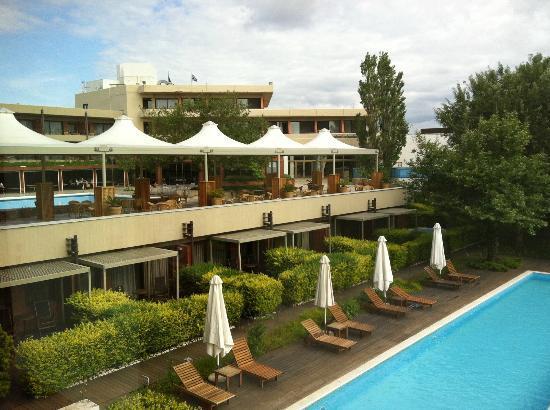 Alexander Beach Hotel: Pool view