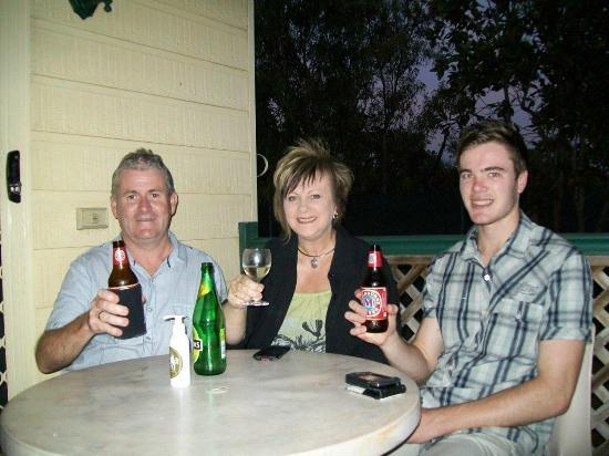 Kakadu Lodge and Caravan Park: Relaxing on the deck of Cabin 26