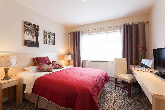 The Glenside Hotel: Double Bedroom