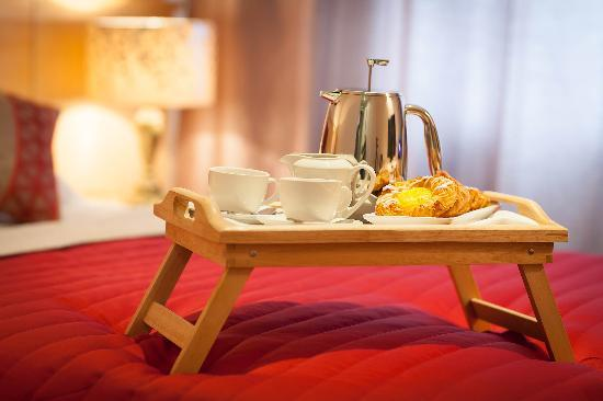 The Glenside Hotel - Breakfast in Bed