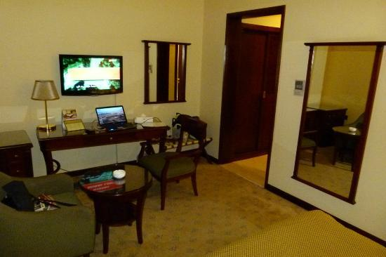 Royal Qatar Hotel: Room 2