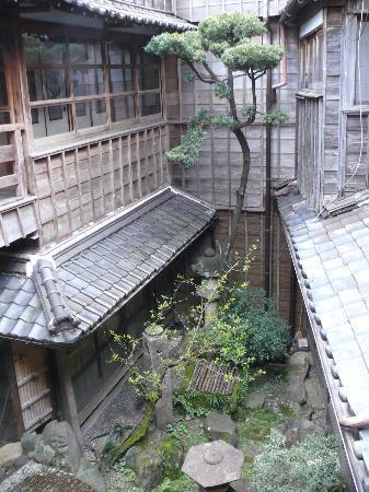 Hoshidekan : Inside of the ryokan/garden