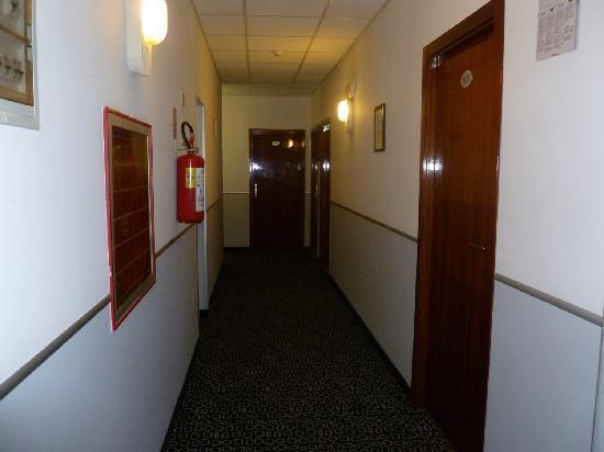 Hotel Americana: Corridoio