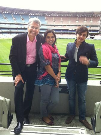 Melbourne Hosted Tours: With the 'acclaimed' David at Melbourne's famed MCG stadium