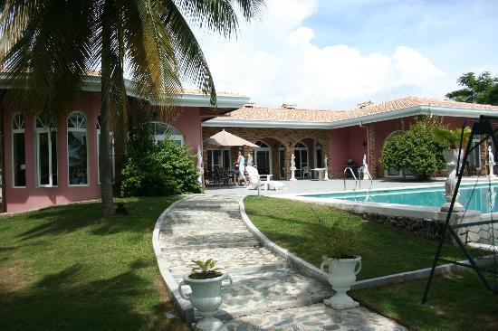 Villa Rosa: Ohne Worte...