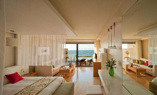 Amathus Elite Suites: Elite Suites Indoors