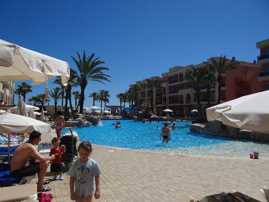 Family Life Alcudia Pins: pool