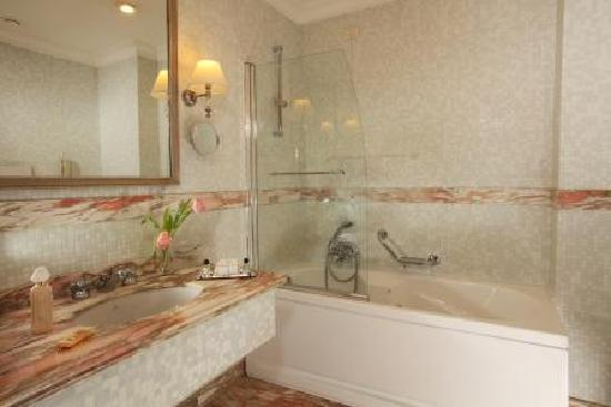 Hotel Imperiale: BATHROOM