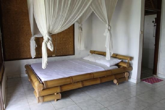 KIMA Surfari : Double Room inside