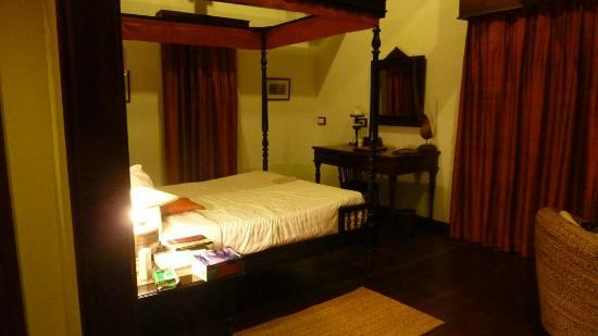Angkor Village Hotel: Our room