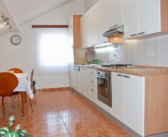 Villa Midea: Kitchen - Superior Apartment (4+2)