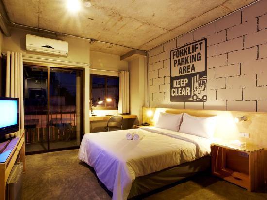 The Warehouse Bangkok: Standard room
