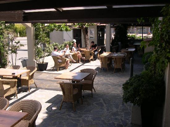 L'Hotel Costa Verde: Terrasse des petits déjeuners de l'hôtel Costa Verde à Moriani Plage SAN NICOLAO en Corse
