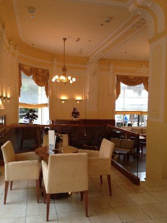 Hotel Bristol: Lobby