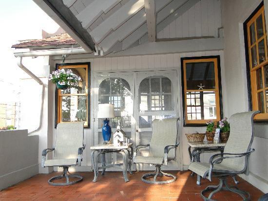 The Mission Inn: verandah