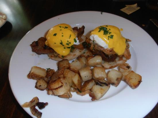 Fredericksburg Herb Farm - Sunday Haus Cottages: Eggs Benedict at Farm Haus Bistro