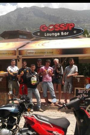 Gossip Bar & Restaurant: The staff :)