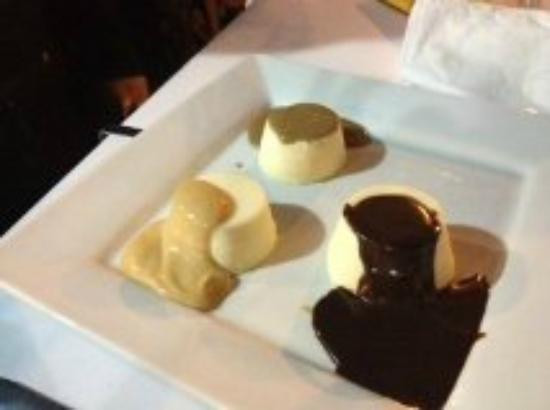 Osteria Martini: Panacotta triplo - perfect end to a perfect meal.
