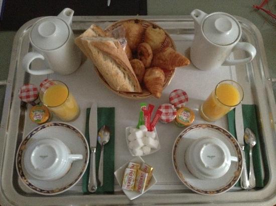 BEST WESTERN L'Orangerie : petit dejeuner en chambre (2 personnes)