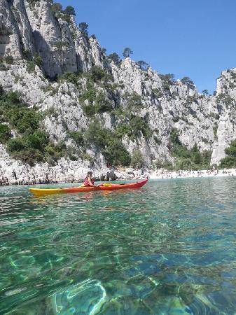 Destination Calanques Kayak Cassis: rando kayak avec guide