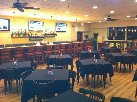 King Neptune : Newly Renovated Dining Room!
