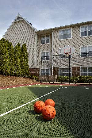 Residence Inn State College: Sports Center Court