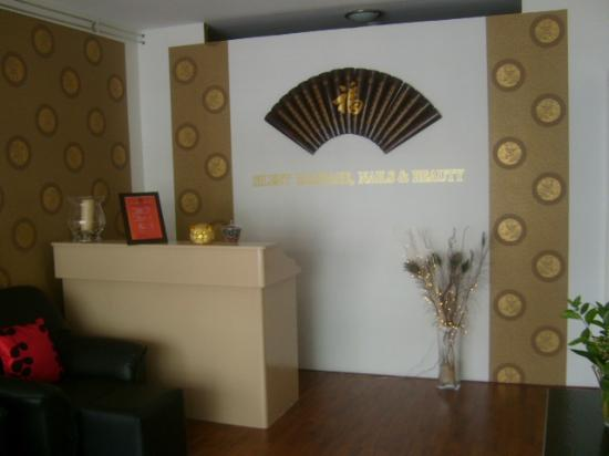 Silent Massage Nails and Beauty Center