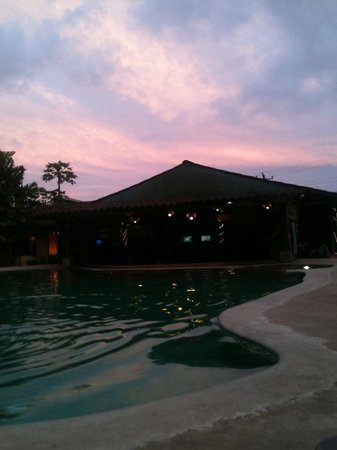 Arenal Backpackers Resort: Sunset view