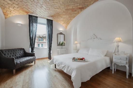 La Finestra sul Colosseo B&B : Suite Vista Colosseo con bagno in camera