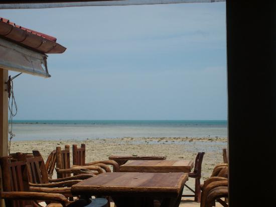 Papillon Resort: vu du restaurant ouvert sur la plage