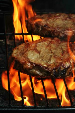 The Old 5 Mile House: Black Angus Choice steaks