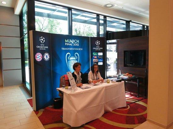 Courtyard München City Ost: UEFA delegates help and transportation desk