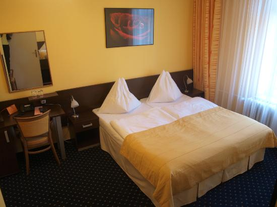 Royal Plaza: Double room