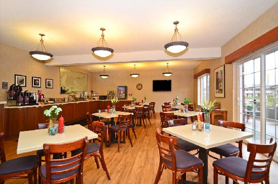 Best Western Plus Park Place Inn & Suites : Breakfast Area