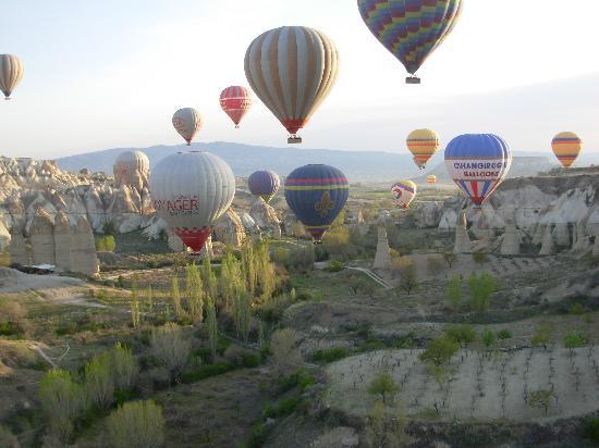 Urgup Balloons: Valle de Goreme visto desde el globo