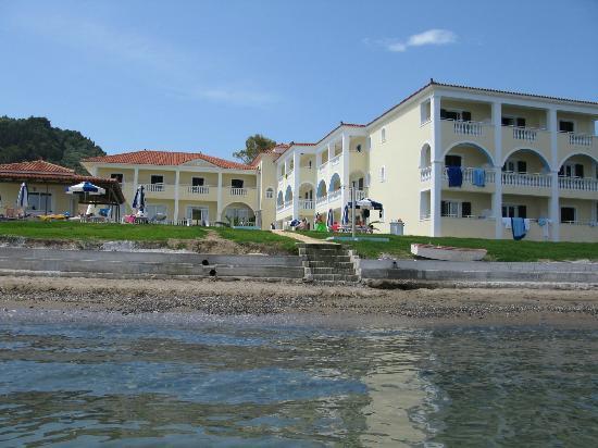 Maria Mare Apartments: Maria Mare from the sea