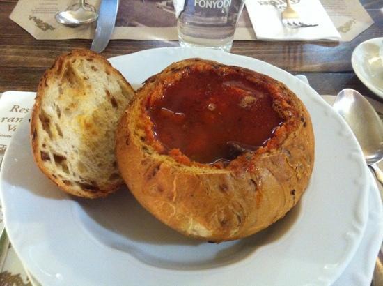 Aranysarkany Vendeglo: soup