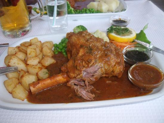 Mangello: Lamb shank