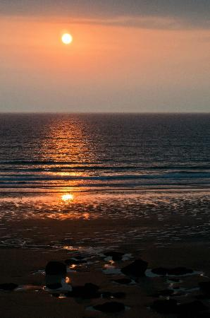 Watergate Bay Hotel: Sunset from the hotel's terrace