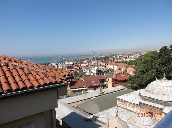 Dara Hotel Istanbul: Roof terasse