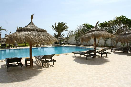 Hotel Dar El Bhar: terrasse piscine