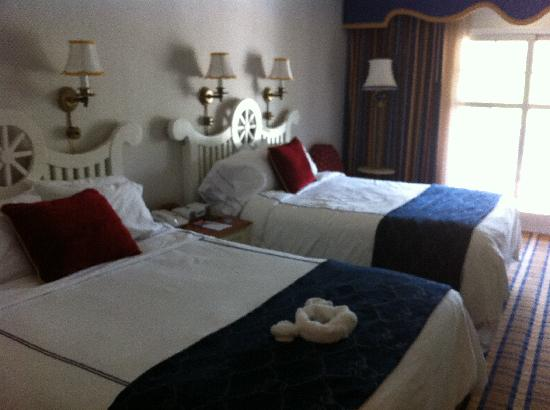 Room 3080 picture of disney 39 s yacht club resort orlando for Garden view rooms at disney beach club
