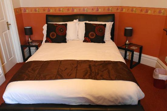 The Edwardian Lodge Guest House: Our room